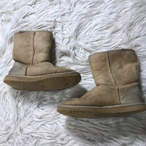 UGG Size 8 Brown Classic Short Sand Winter Boots
